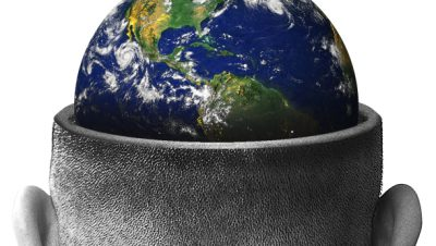 Aprenda de uma forma fácil criar uma cena surrealista no Photoshop de um planeta terra dentro da cabeça de um homem (9)
