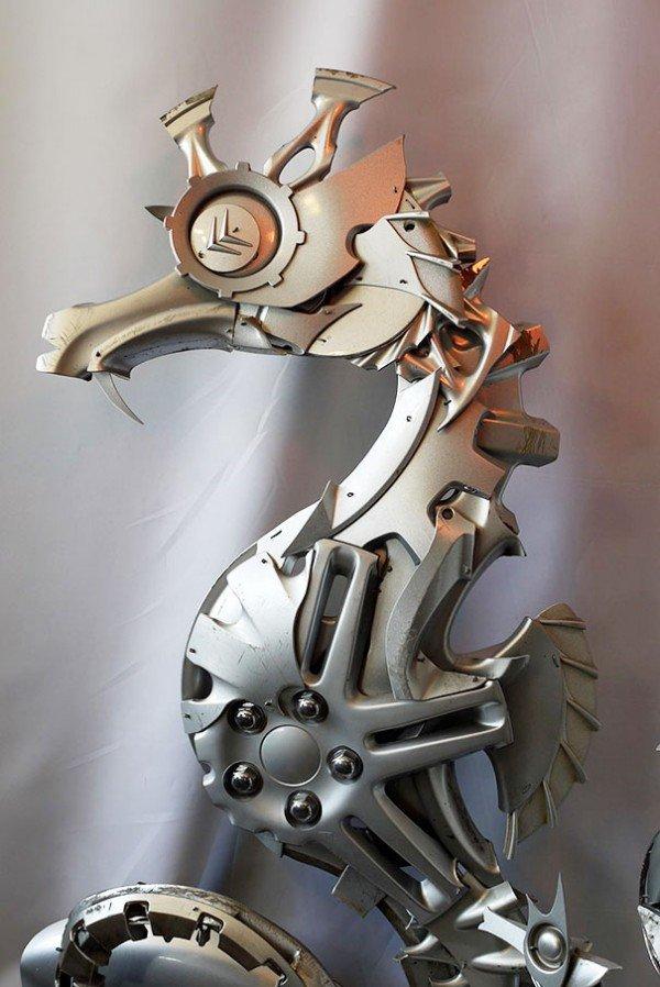 Esculturas criativas feitas de calotas (13)