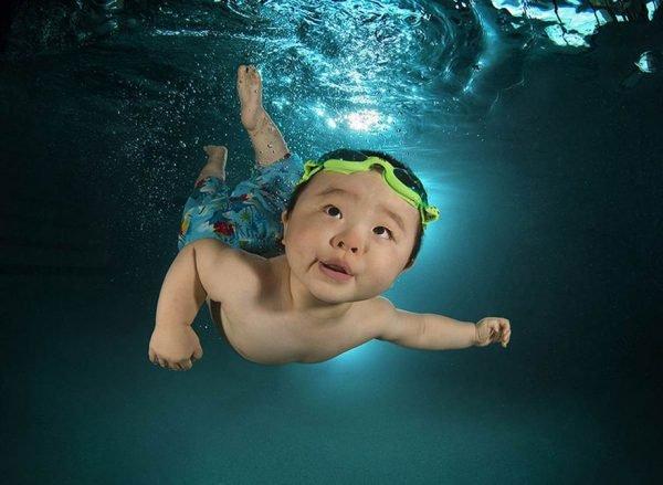 Fotografias criativas de crianças na água (3)