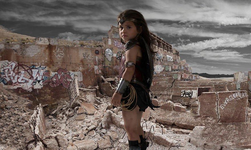 fotografia-crianca-mulher-maravilha-montagem-13