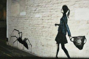 Grafitis criativos encontrados pelas ruas, vejam a criatividade sem fim para estes grafiteiros e artistas urbanos. (15)