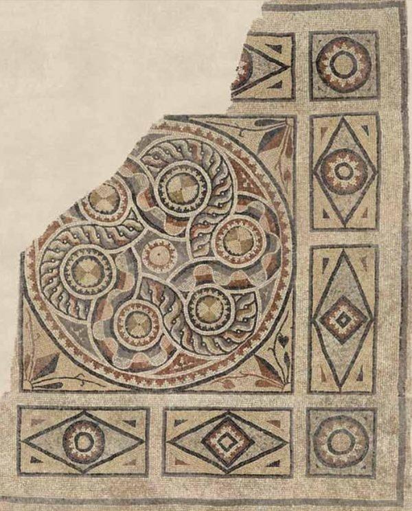 Mosaicos antigos foram encontrados (13)